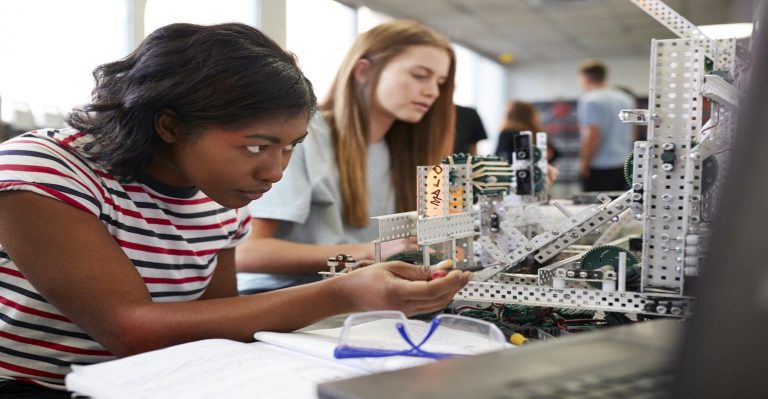 5 femmes extraordinaires qui donnent l'exemple dans les industries de l'ingénierie et de la technologie