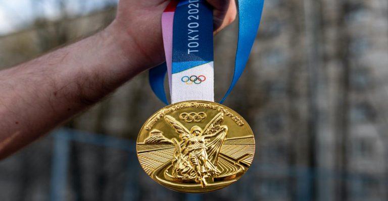 Comment honorer au mieux les champions olympiques ?  En recyclant de la Terre Mère