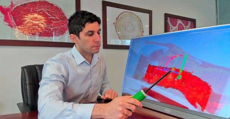 Dévoilement de la première plate-forme de simulation chirurgicale holographique sans lunettes