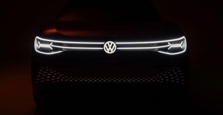 La résine acrylique ouvre la voie à l'emblème VW New-Look