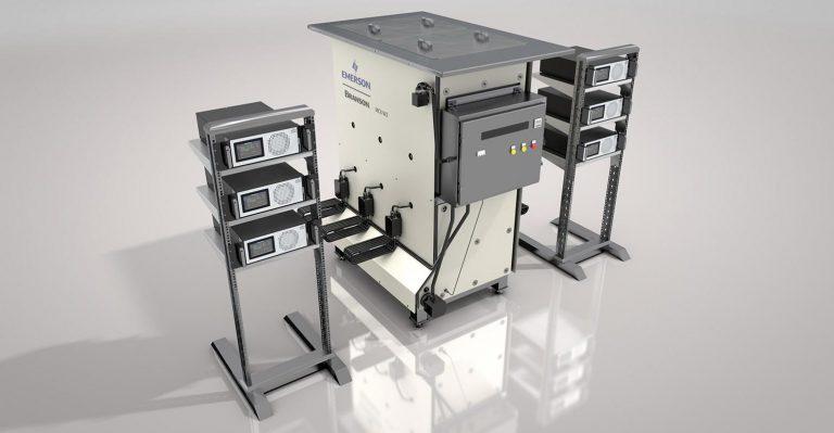 Le système à ultrasons réduit le temps de nettoyage des moules d'injection de quelques heures à quelques minutes