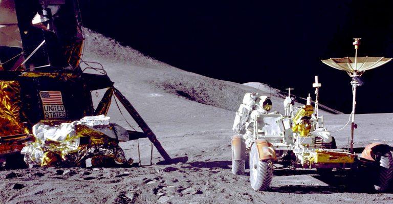 Les astronautes peuvent parcourir des kilomètres dans le nouveau buggy avancé LTV Moon Buggy de GM