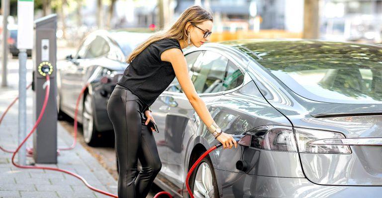 Pourquoi les conducteurs de véhicules électriques adopteront des habitudes de recharge de téléphones intelligents