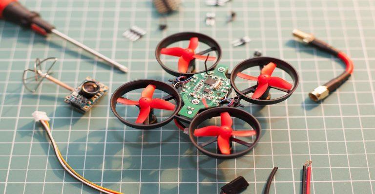 Vous voulez localiser les fuites de gaz ?  Surveillance des mouches avec de minuscules drones