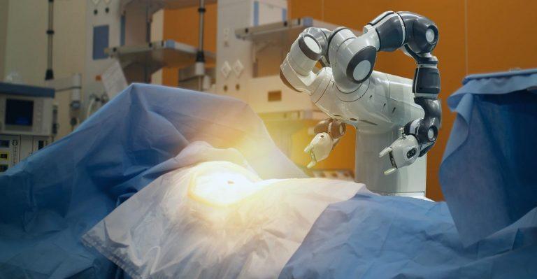 2 façons dont les robots aident les médecins et les patients