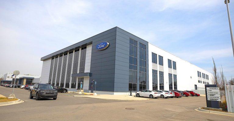 Ford lance un centre d'excellence de R&D sur les batteries Ion Park d'une valeur de 185 millions de dollars