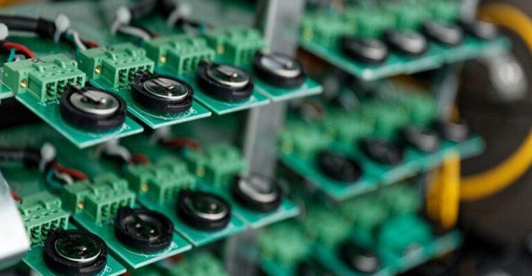La recherche améliore la durée de vie des batteries de véhicules électriques avec des cathodes à base de nickel