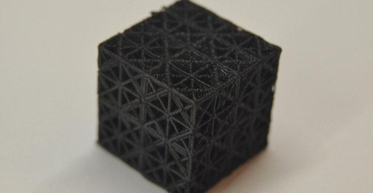 Le métamatériau imprimé en 3D pourrait conduire à des voitures plus légères et plus sûres