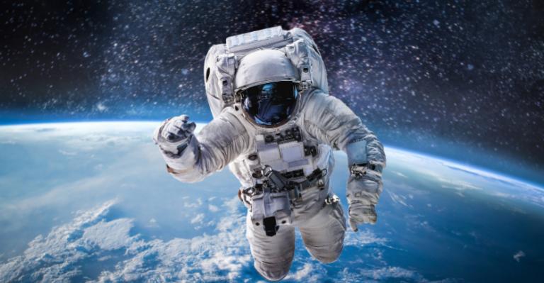 Les astronautes utilisant Fitbit pour l'atténuation des risques de COVID-19 sont hors de ce monde