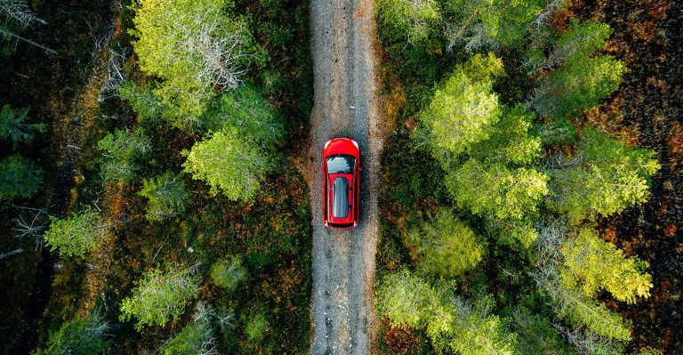 Les plastiques continuent de rendre les voitures plus sûres pour les personnes et l'environnement