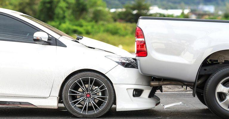 L'impact du freinage d'urgence automatique sur les voitures et les accidents