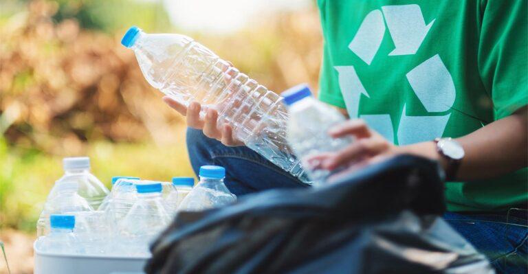 Un guide de conception de bouteilles en plastique pour une recyclabilité maximale